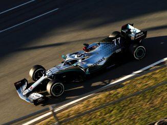 Mercedes durante los test en barcelona y sus frenos traseros